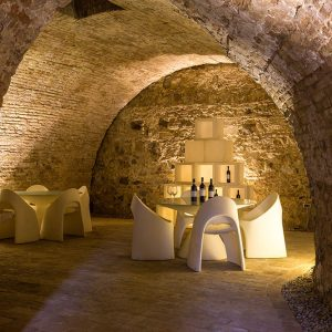 massimago wine tower: restaurant